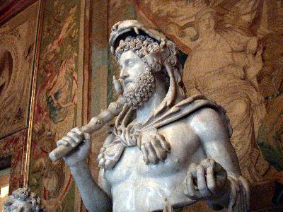 http://www.artisopusgallery.com/MAS/Rome/Commodus_as_Herakles.jpg